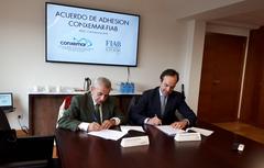 Momento de la firma del acuerdo de adhesión  Conxemar FIAB acuicultura
