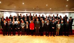 Asitentes al 25 aniversario del CES con el Rey de España acuicultura