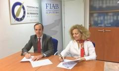 Firma del convenio FIAB-FAPE