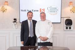 Dcha a izq: Chef Bruce Mattel, CIA senior associate dean of culinary arts y Jordi Trias, presidente de Stolt Sea Farm
