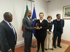 Ana Paula Vitorino y Macharia Kamau