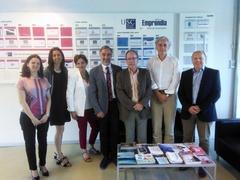 Directivos de Virbac con investigadores de la USC