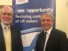 Bertie Armstrong, Director Ejecutivo de la SFF, con el ministro Goodwill